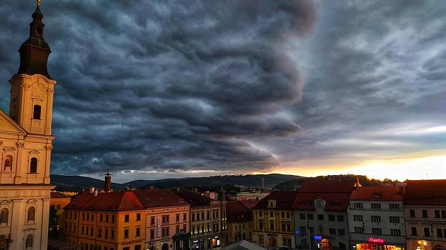 Příchod bouřky do Klatov.