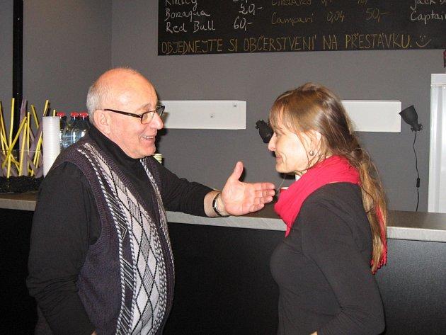 V porotách Čtvrtlístku  usedají bývalí herečtí kolegové Rostislava Čtvrtlíka. V Plzni loni hodnotili výkony například herci Andrea Černá a René Přibil.