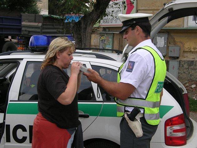 Ministerstvo volá po větším počtu policejních hlídek. Podobné kontroly by u silnic měly být co nejčastější