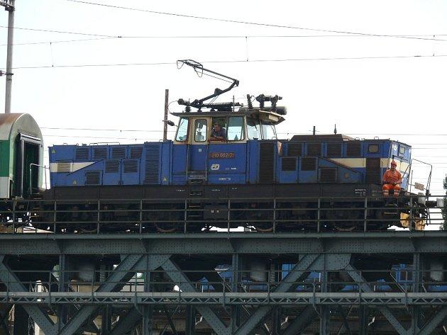 Železniční most v Prokopově ulici projde úplnou rekonstrukcí