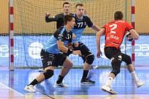 Kapitán házenkářů Talentu tým Plzeňského kraje Petr Vinkelhöfer v úvodním extraligovém zápase s Novým Veselím.