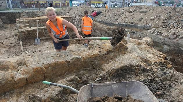 Archeologický výzkum před stavbou nového divadla v Jízdecké ulici