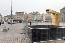 Oprava kašny by měla být dokončena do konce března.