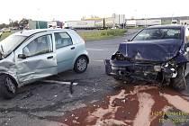 Nehoda u čerpací stanice v Nýřanech