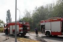 Hasiči v úterý odpoledne bojovali s požárem přímo v Plzni. V Borské ulici zasahovalo hned několik jednotek.