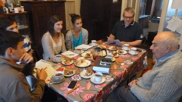 Karel Vavřínek při setkání se studenty