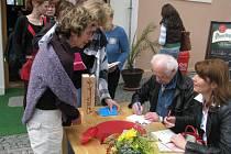 Legendární spisovatel Arnošt Lustig přednášel studentům ve Spáleném Poříčí