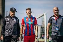 Lukáš Kalvach si poranil kotník v posledním přípravném utkání před odjezdem do Rakouska proti Domažlicím (4:2).