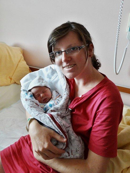 Matyáš Vodička se narodil 26. července v8:14 mamince Santře a tatínkovi Standovi zNezvěstic. Po příchodu na svět vplzeňské FN vážil bráška Anetky 3370 gramů a měřil 46 cm.