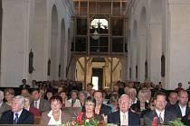 Kostel byl zaplněný téměř do posledního místa