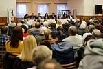 Beseda litických občanů se zástupci města i společnosti Accolade, která chce v Liticích stavět průmyslové haly