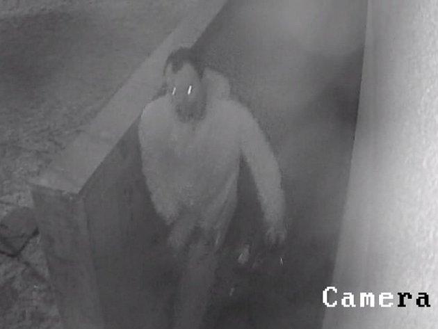 Zloděje kol zachytila kamera