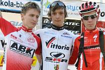 Jakub Křikava, Michal Kohout a Jan Rajchart (zleva) se  zatím perou o post lídra v juniorském Vittoria Cupu