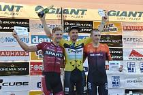 Premianti Grand Prix Duratec. Zleva je druhý Denis Rugovac, vítěz Martin Boubal a třetí Henri Uhlig.