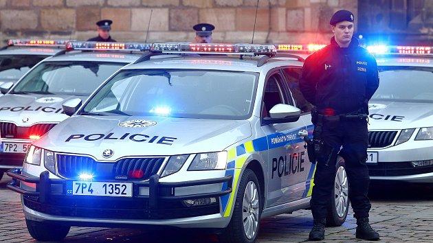 Představení nových vozidel Policie ČR na náměstí Republiky v Plzni