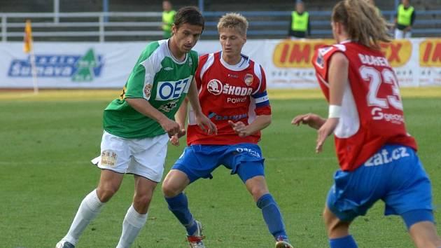 Fotbalisté Viktorie Plzeň mohou v pondělním domácím utkání 29. kola Gambrinus ligy proti Jablonci napravit měsíc starou prohru 0:3 ze čtvrtfinále poháru ČMFS se stejným soupeřem