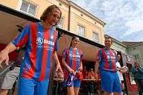 Oslavy stoletého výročí fotbalového klubu Viktoria Plzeň na nádvoří Plzeňského Prazdroje