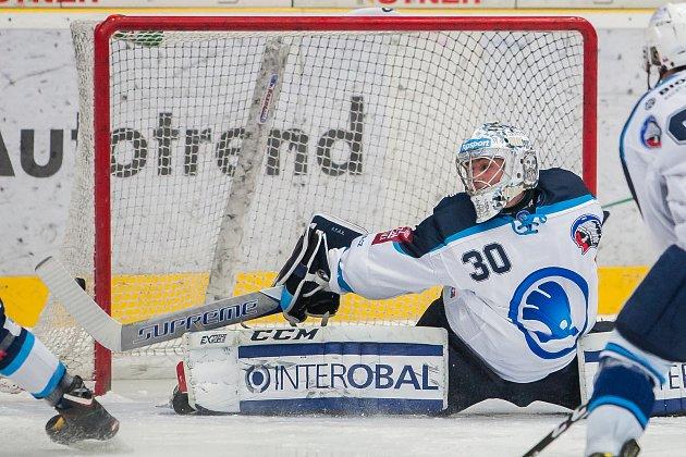 Utkání 51.kola Tipsport extraligy ledního hokeje se odehrálo 2.března vliberecké Home Credit areně. Utkaly se celky Bílí Tygři Liberec a HC Škoda Plzeň. Na snímku je brankář Tomáš Král.