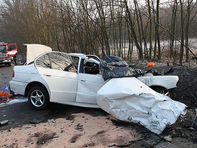 Smrtelná nehoda se stala v úterý 1. března 2011 ráno na silnici vedoucí z Plzně na Klatovy  za odbočkou na obec Vysoká. Při střetu osobního vozidla a autobusu zahynuli tři lidé a další tři osoby odvezla sanita k ošetření do nemocnice.