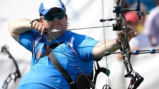 Český reprezentant v para lukostřelbě David Drahonínský získal na ME v Plzni dva cenné kovy – zlato v mixu a stříbrnou medaili mezi jednotlivci.