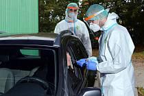 Nové odběrové místo na testování na onemocnění covid-19 otevřela ve čtvrtek nemocnice Privamed v Plzni.