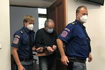 Miroslav Kumbera (61) z Horního Slavkova dostal za dvojnásobnou vraždu své přítelkyně a jejího milence devatenáct let.