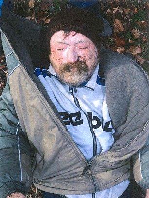Nalezený mrtvý bezdomovec vRadbuze.