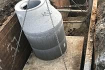 Kanalizace ve Lhotě je hotová.