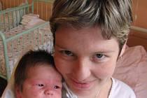Evě Kordíkové a Jiřímu Babkovi z Plzně se 10. října dvacet minut před devatenáctou hodinou narodila v Mulačově nemocnici prvorozená dcera Adina (3,70 kg/50 cm). Novopečený tatínek byl u porodu a měl velkou radost z toho, že obě jeho děvčata jsou zdravá