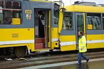 Nehoda tramvají nedaleko zastávky Pod Záhorskem