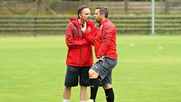 Hlavní slovo bude nyní u fotbalistů Viktorie mít Karel Krejčí (na snímku vlevo), jeho asistentem se stal Pavel Horváth.