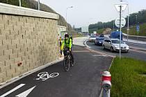 Z Lochotína k Boleveckému rybníku dojedete po nové cyklostezce.