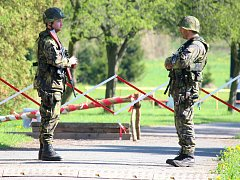 Cvičení vojáků v aktivní záloze v Plzni.