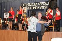 Dechovková kapela Nýřaňanka zazpívala s chodskými muzikanty ze skupiny Horalka. Lidé tancovali již od úvodní písně.
