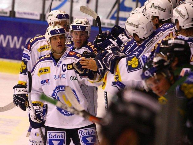 Hokejisté Lasselsbergeru Plzeň převálcocali ve čtvrtém kole Karlovy Vary 3:0