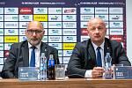 Střídání šéfů. Tomáš Paclík (vlevo) opouští po jedenácti letech z pozice prezidenta FC VIktorie Plzeň, jeho místo zaujme dosavadní generální manažer Adolf Šádek.