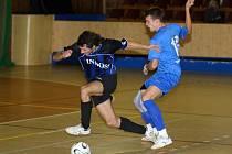 Futsalisté Indossu vykročili úspěšně do odvetné části druhé ligy výhrou v Mladé Boleslavi. Barvy Indossu hájil také Petr Kučera (vlevo na archivním snímku)