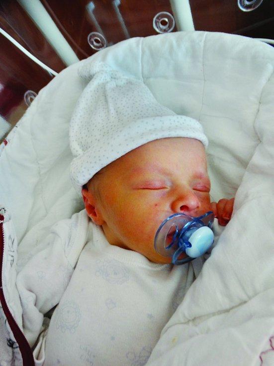 Jakub Lisák se narodil 30. června v 18:35 mamince Ivě a tatínkovi Peterovi z Plzně. Po příchodu na svět v plzeňské fakultní nemocnici vážil jejich prvorozený synek 2930 gramů a měřil 49 centimetrů.