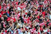 Fotbalové utkání HET ligy mezi celky SK Slavia Praha a FC Viktoria Plzeň 5. května v Praze. Fanoušci Slavie slaví branku.