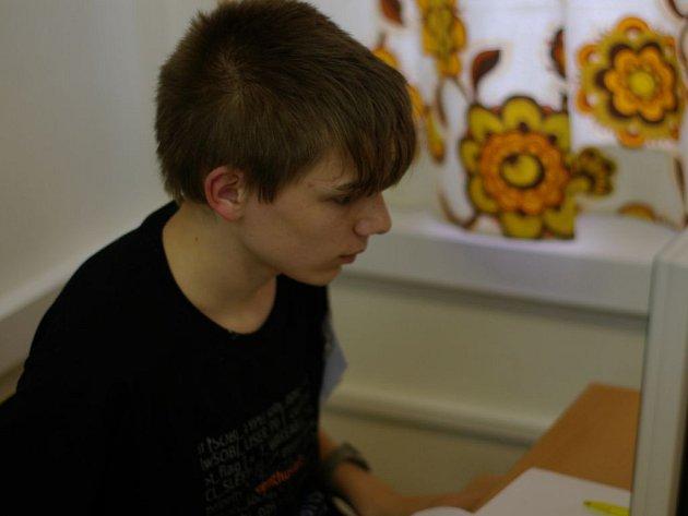 Patnáctiletý Filip Štědronský vyhrál mistrovství republiky v programování v žákovské kategorii