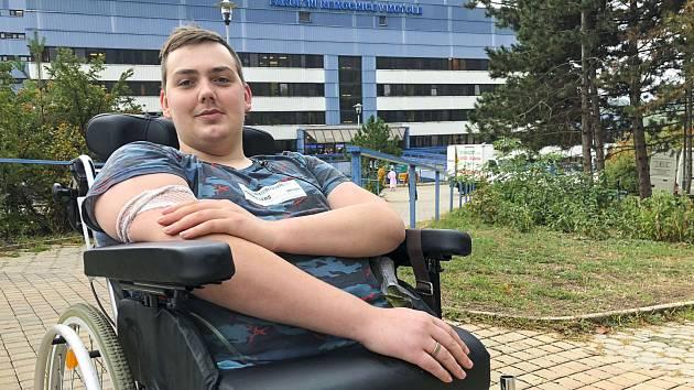 V budoucnu by se Dan rád přestěhoval do Plzně do bezbariérového bytu. Jeho největší přání je být samostatný.