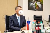 Předmětem setkání předsedy vlády a hejtmanky byly především investice Plzeňského kraje do zdravotnictví a dopravy.