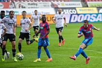 Takhle pálí Jan Kopic, autor vedoucí branky Viktorie Plzeň ve středečním domácím zápase se Zlínem (3:0). Teď jede v neděli jeho tým do Olomouce.