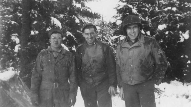 Vojáci 26th MRU během bitvy v Ardenách