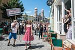 Centrem Plzně prošel dixielandový průvod, začal tak již tradiční 6. Mezinárodní dixielandový festival. V zahradě Měšťanské besedy odehraje sedm českých a dvě zahraniční kapely.