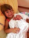 Zuzana Fialová se narodila 27. července jedenáct minut po 19. hodině mamince Pavlíně a tatínkovi Vladislavovi ze Spáleného Poříčí. Po příchodu na svět v plzeňské fakultní nemocnici vážila sestřička tříleté Sabinky 3290 gramů a měřila 49 centimetrů