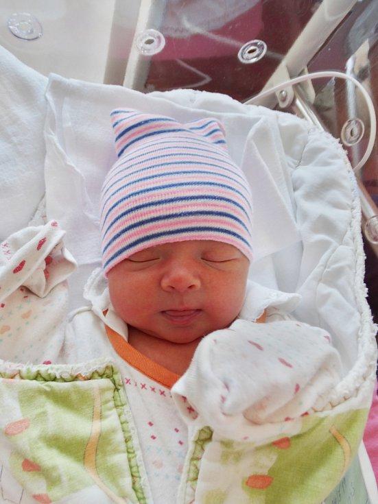 Zdeňka Brosteanu se narodila 24. května v0:53 mamince Lucii a tatínkovi Zdeňkovi zPlzně. Po příchodu na svět vplzeňské FN vážila sestřička Matyldy a Mirečka 3280 gramů a měřila 50 centimetrů.