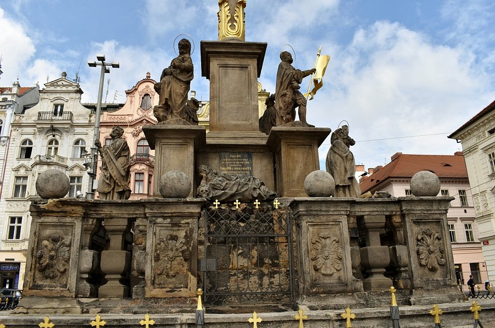 Morový sloupu na náměstí v Plzni budu v plné kráse už letos.