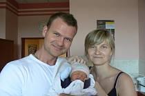 Matěj Tyll (3,37 kg, 52 cm), který se narodil 15. června v9:20 hodin ve FN vPlzni, je prvorozený syn manželů Lukáše a Nikoly Tyllových zPlzně