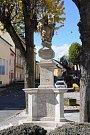Pilíř se sousoším nejsvětější trojice v Hostouni